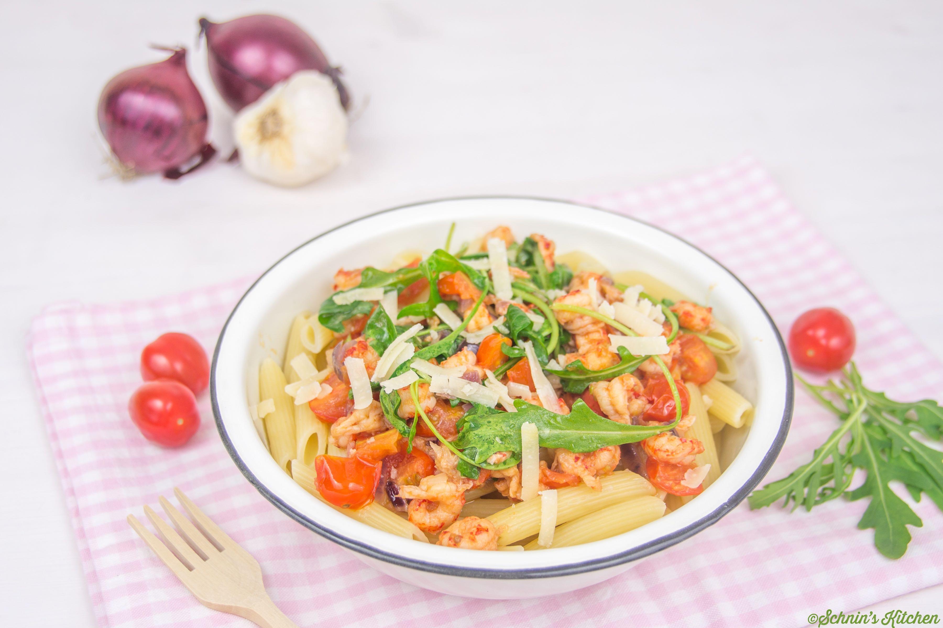 Die weltbeste Pasta mit Flusskrebsen, Tomaten, Rucola und Knoblauch - www.schninskitchen.de