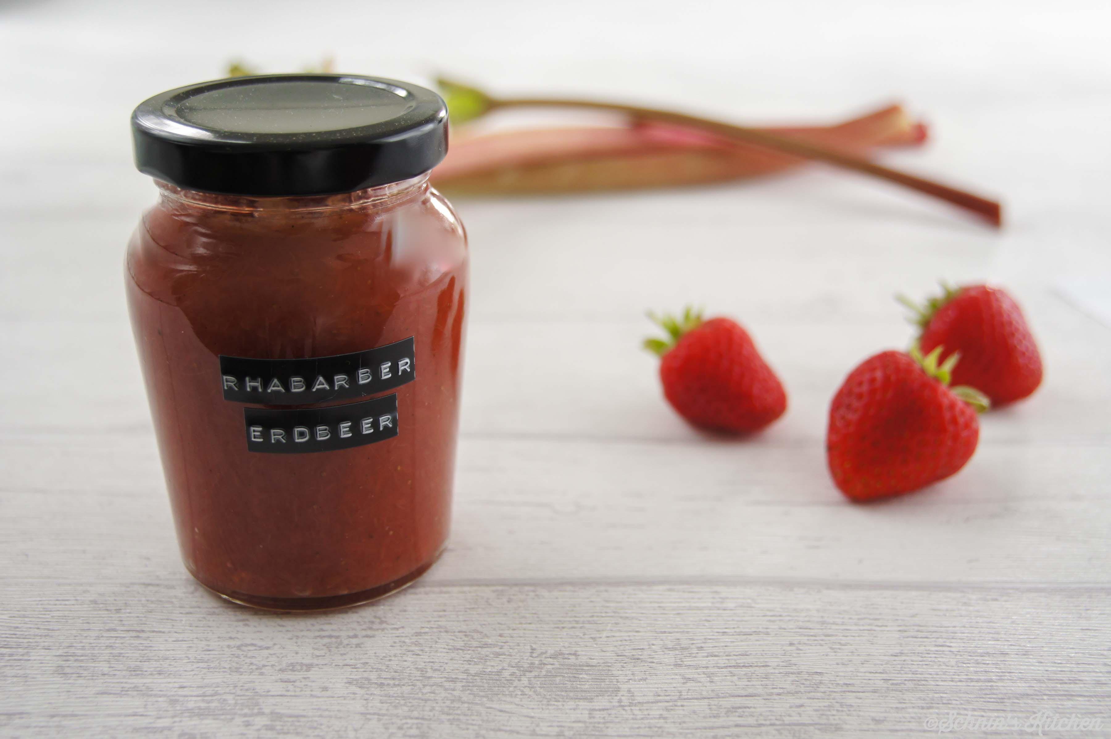 Schnin's Kitchen: Rhabarber-Erdbeer-Marmelade mit Vanille & Minze