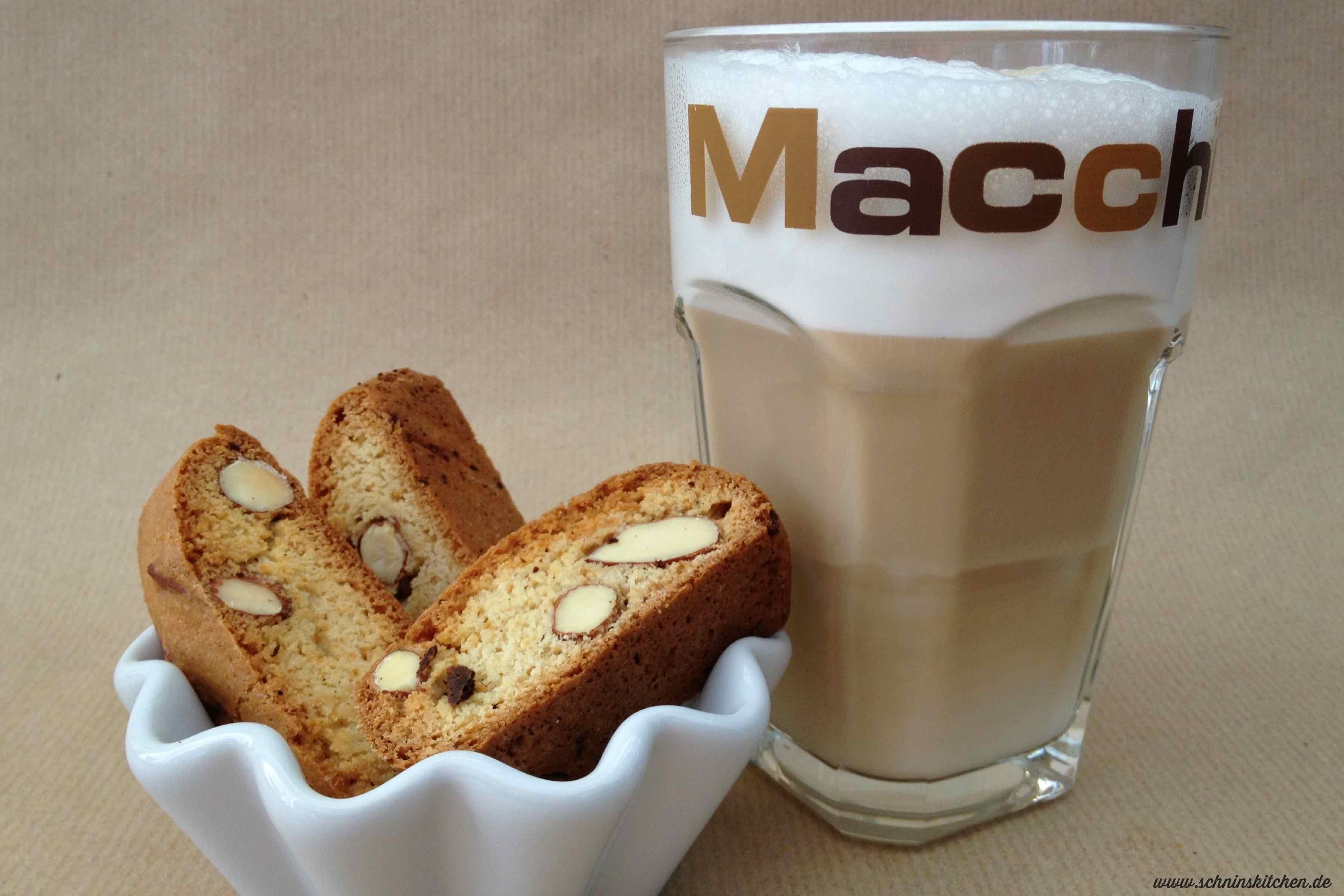 Cantuccini - traditionelles italienisches Mandelgebäck | www.schninskitchen.de