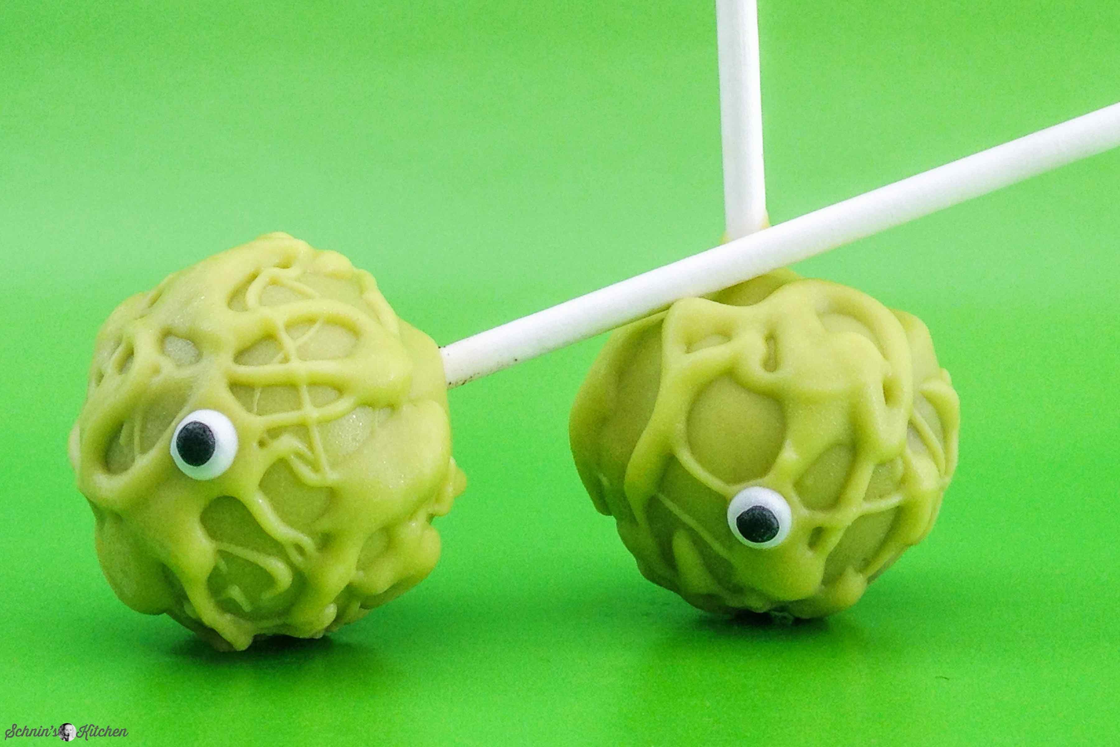 Gruselige Halloween Cake Pops mit Oreos| www.schninskitchen.de