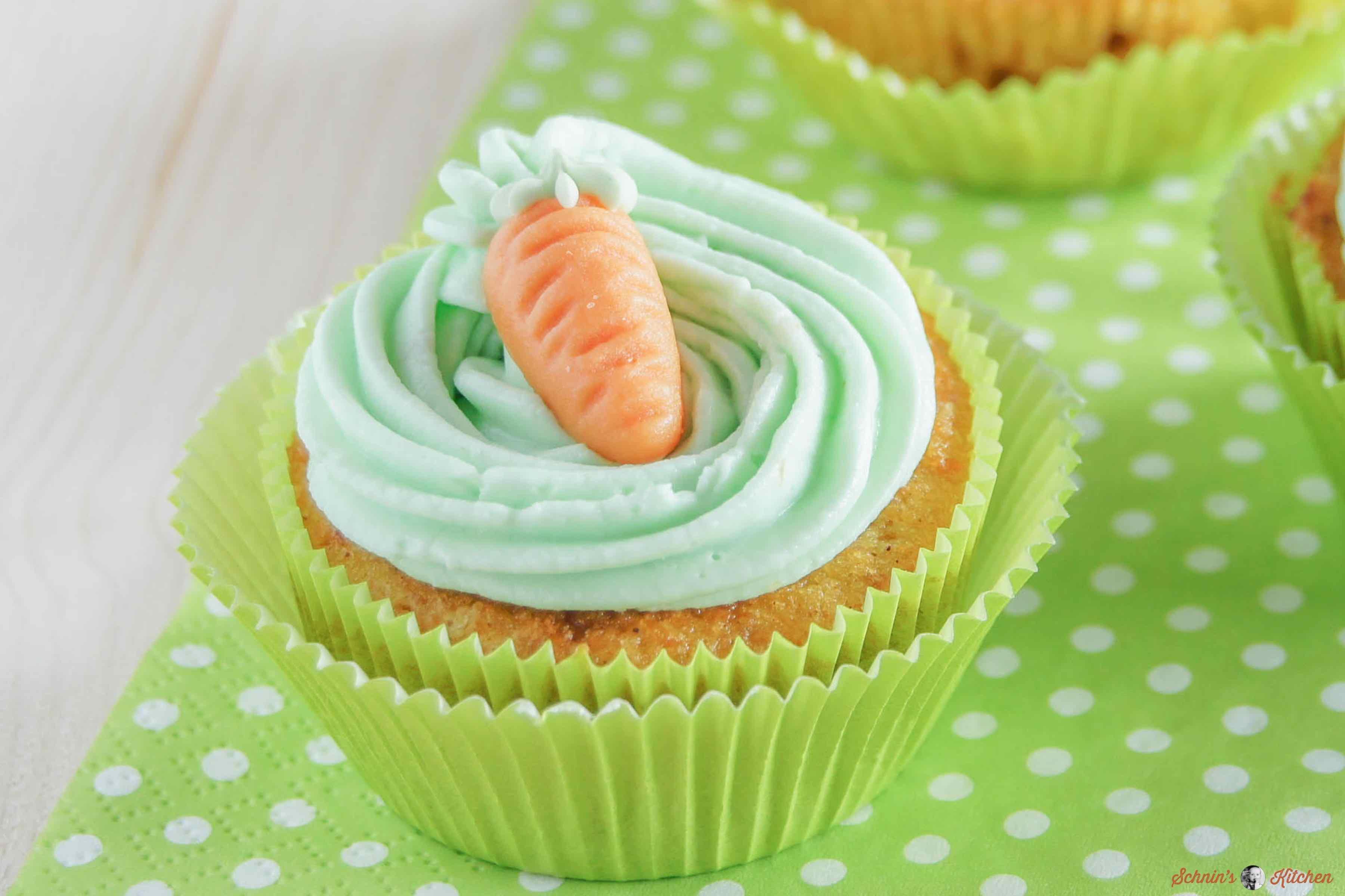 Saftige Möhren-Orangen-Cupcakes | www.schninskitchen.de