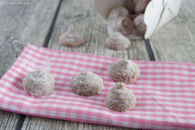 Schnin's Kitchen: Adventswichteln - 1. Schokoladen-Amarettini