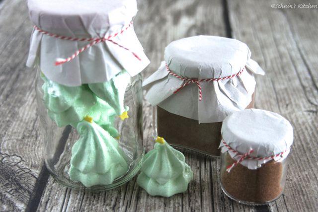 Schnin's Kitchen: Adventswichteln - 2. Baiser-Weihnachtsbäume, Weihnachts-Cappuccino-Mischung & Bratapfelgewürz