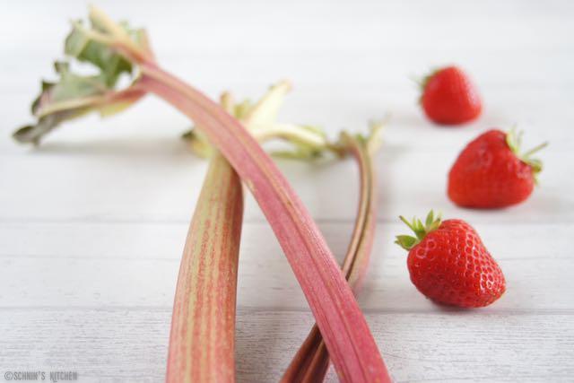 ger stete erdbeer rhabarber marmelade ohne gelierzucker schnin 39 s kitchen. Black Bedroom Furniture Sets. Home Design Ideas