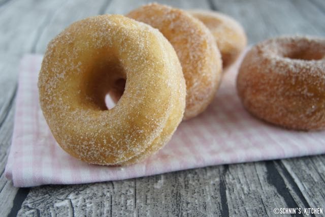 Schnin's Kitchen: Zucker-Zimt-Donuts