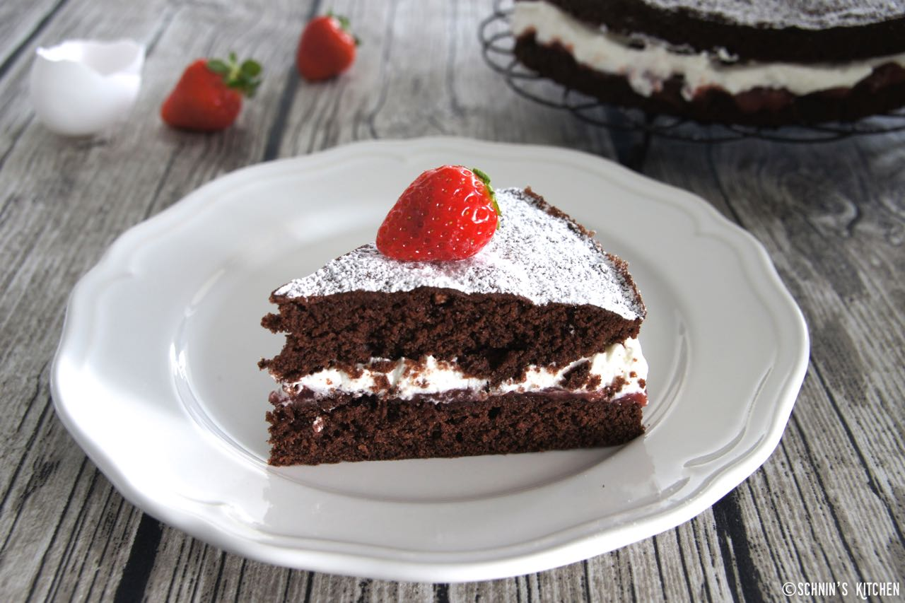 Schnin's Kitchen: Victoria Sponge Chocolate Cake
