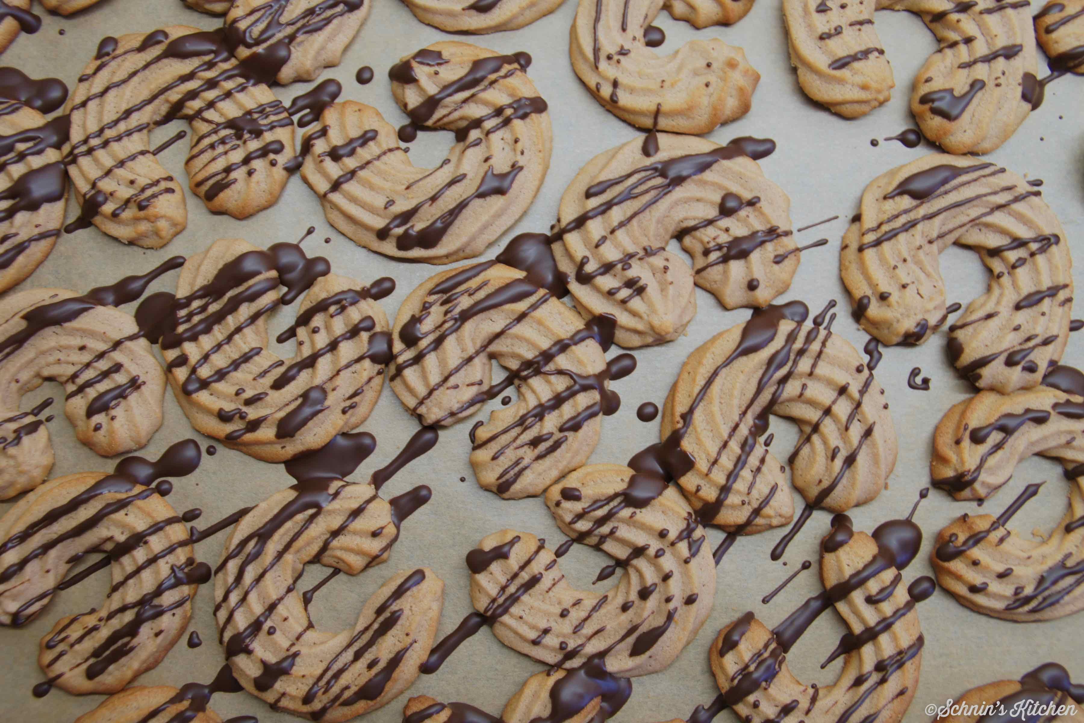 Schnin's Kitchen: Spritzgebäck mit Nougat und Marzipan