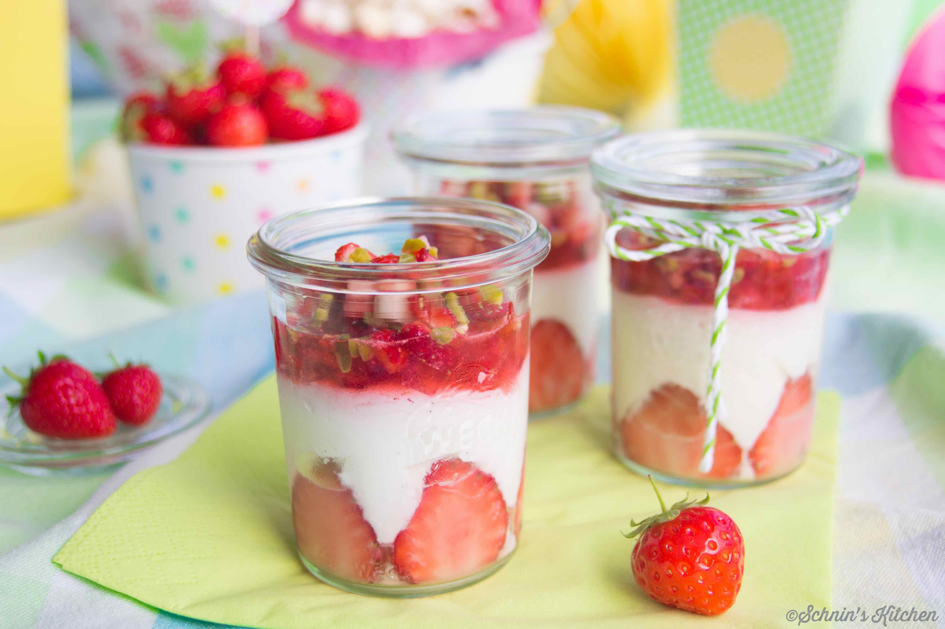 Erdbeer Mascarpone Creme Im Glas Schnin S Kitchen