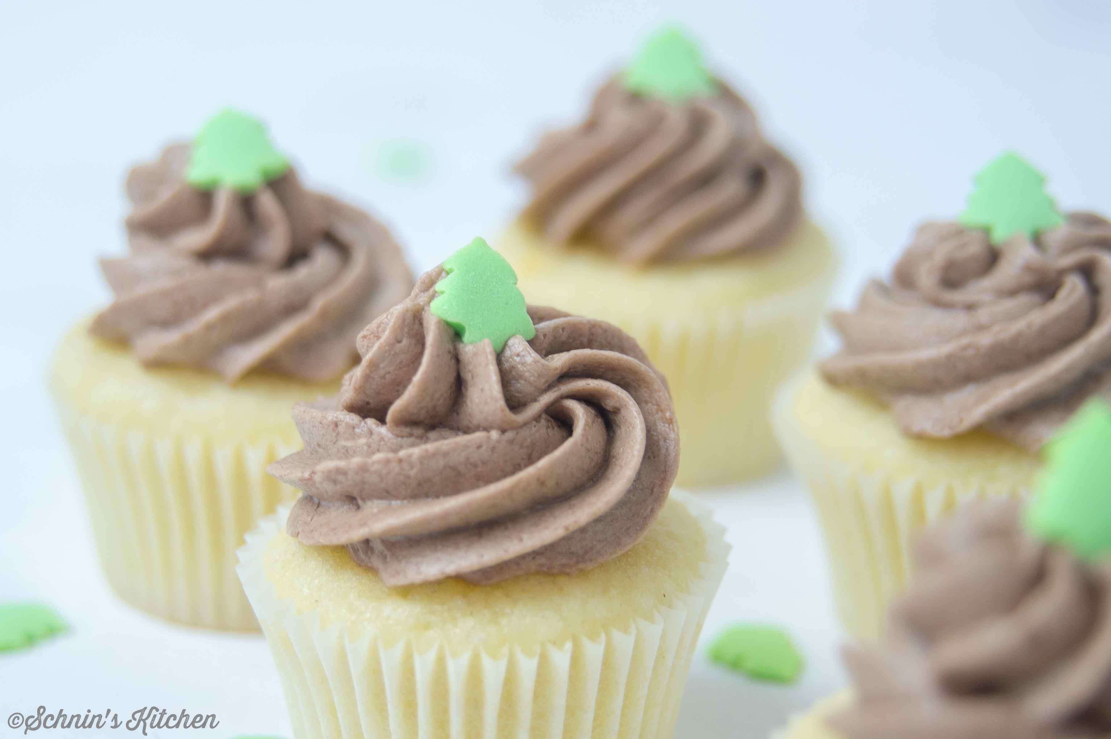 Schnin's Kitchen: Kleine Nuss-Nougat-Cupcakes