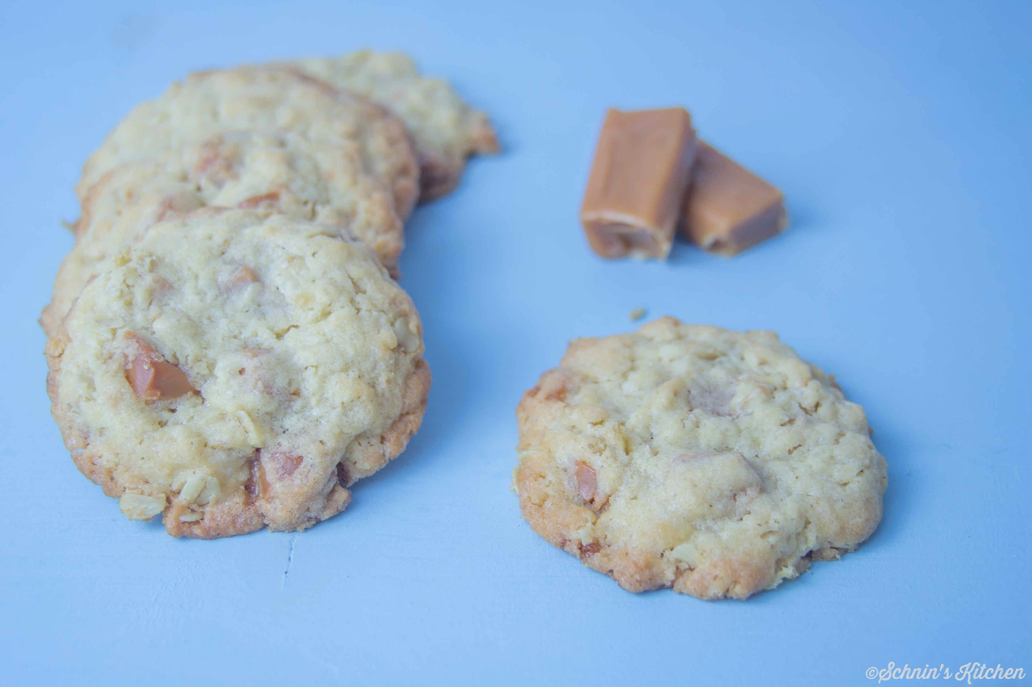 Schnin's Kitchen: Knusprige Karamell-Cookies mit Haferflocken