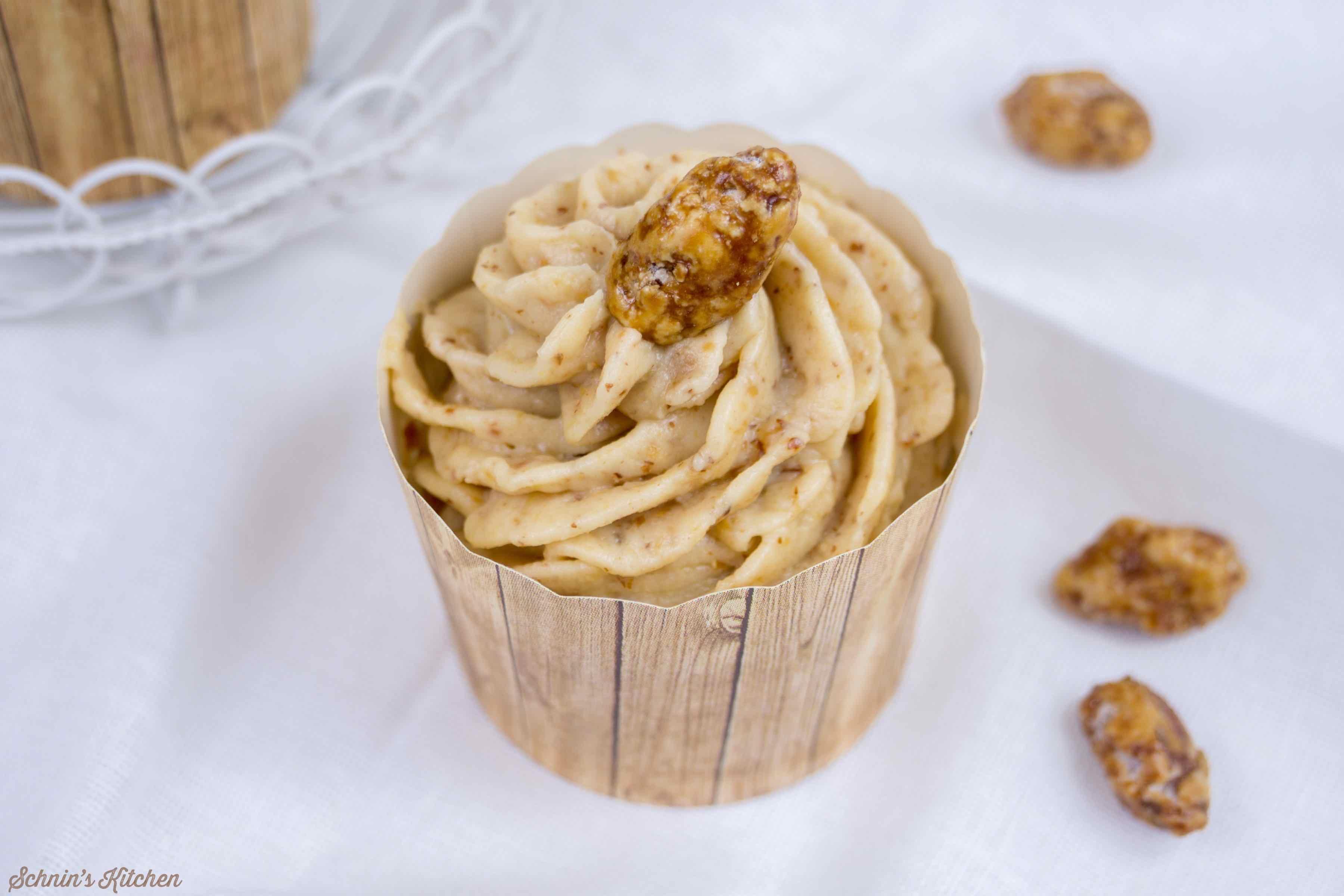 Gebrannte-Mandel-Cupcakes zur Adventsschlemmerei | www.schninskitchen.de