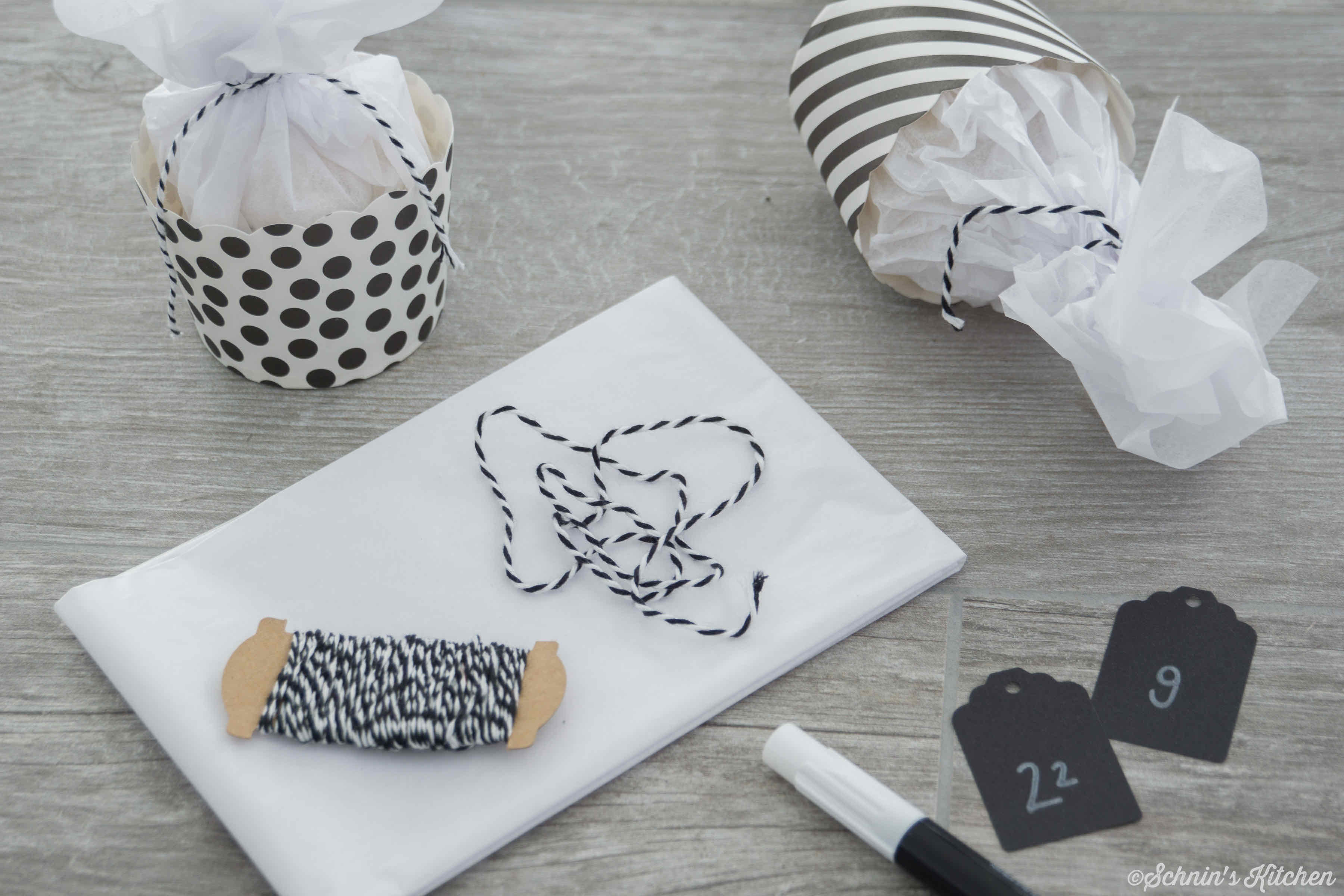 adventskalender basteln aus muffinf rmchen schnin 39 s kitchen. Black Bedroom Furniture Sets. Home Design Ideas