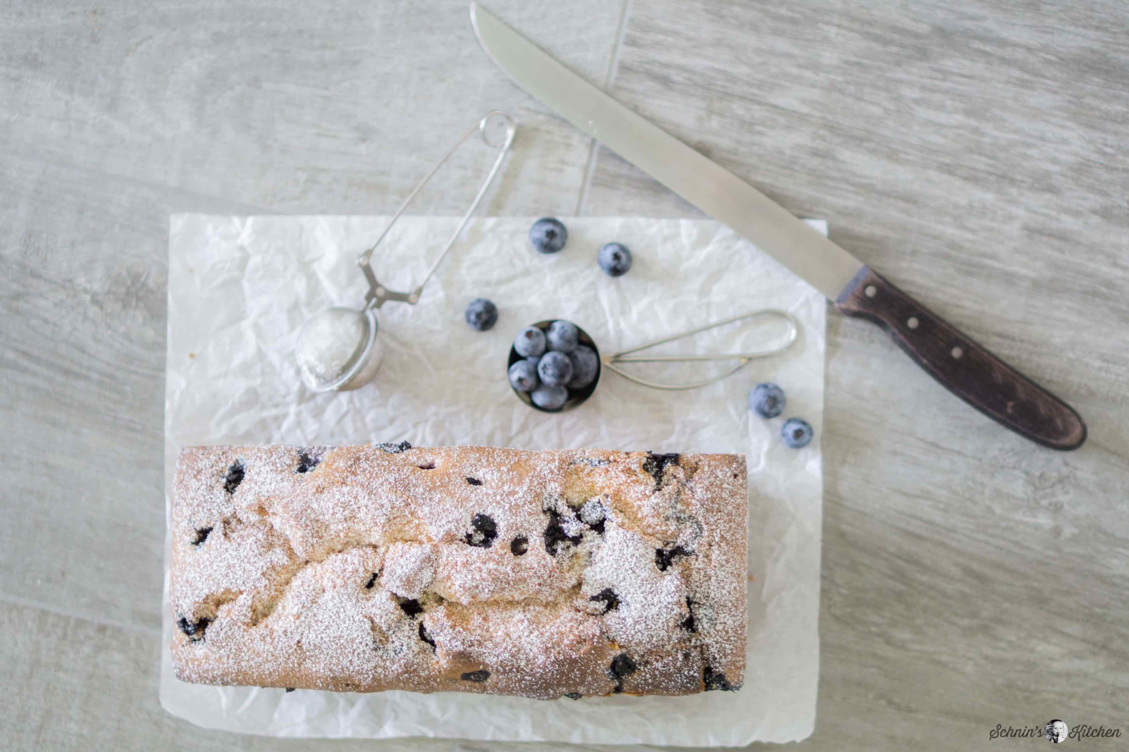 Fluffiger, saftiger Blaubeer-Joghurt-Kuchen | www.schninskitchen.de