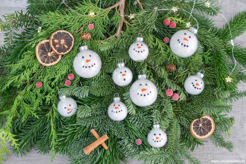 DIY Schneemann-Weihnachtskugeln basteln | www.schninskitchen.de